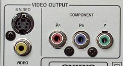 К этим разъемам допускается подключение источника с компонентным цветоразностным (y/cb/cr и y/pb/pr) или